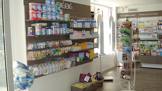 charleval dsc01591 agencement de pharmacie commerce magasinagencement de pharmacie commerce. Black Bedroom Furniture Sets. Home Design Ideas
