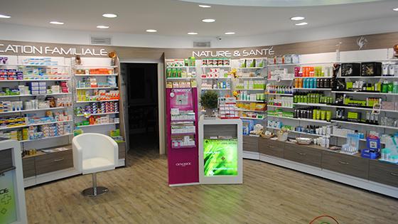 charleval dsc 0899 agencement de pharmacie commerce magasinagencement de pharmacie commerce. Black Bedroom Furniture Sets. Home Design Ideas