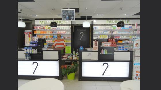 Enseigne lumineuse magasin pharmacie croix de pharmacie - Le comptoir des pharmacies ...