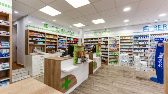 Designer archives agencement de pharmacie commerce for Pharmacie de la claire